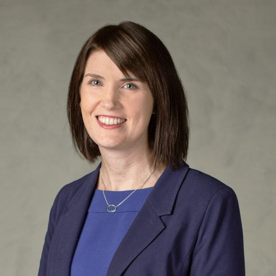 Laura  Cronin